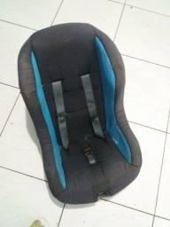 Cadeira para criança semi nova