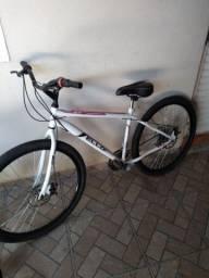 Título do anúncio: Bicicleta aro 29 com freios a disco