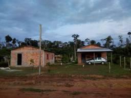 2 Casas em Alvenaria / 1 Terreno 20x40