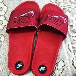 Sandálias R$ 50,00