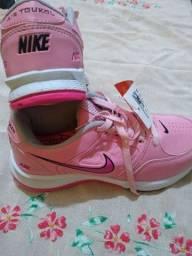 Tênis feminino Nike Air toukool