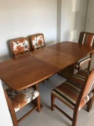 Título do anúncio: mesa de madeira maciça