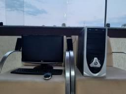 PC com Monitor, Caixa de Som, Mouse, Teclado e Impressora Scanner