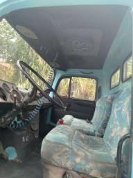 Vende se caminhão Mb 1514 ano 1988 toco b contato *