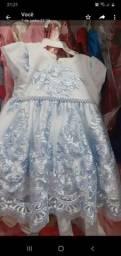 Lindo vestido para bebê de renda