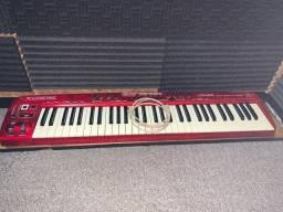 Teclado controlador Behringer umx610 com placa Roland e capa