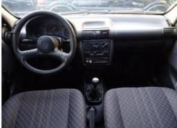 Chevrolet Corsa branco wind