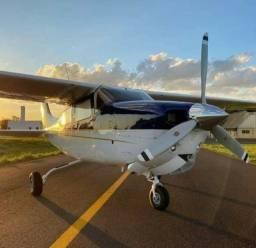 Cessna 210 6 lugares