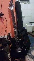 Guitarra, caixa e acessórios