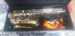 Saxofone alto.