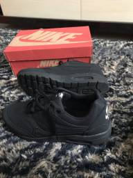 Nike tamanho 43 NOVO NA CAIXA