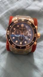Título do anúncio: Relógio Invicta Pro Drive (dourado)