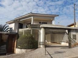 Sobrado em Apucarana, Troca-se por imóvel em Curitiba(4 quartos, 4 banheiros)