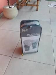 Luva boxe/muay thai Everlast nova + Brindes, usado comprar usado  São José Dos Campos