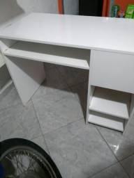 Mesa pra manicure