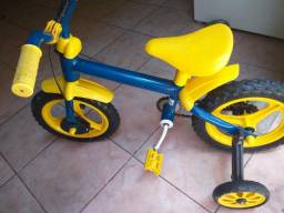 Vendo bicicleta bem conservada