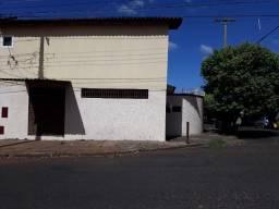 Jd. Petrópolis - Venda/Locação 02 Dorm. sendo 01 suíte + Salão Comercial Ref. 3622