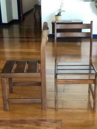 06 cadeiras de madeira