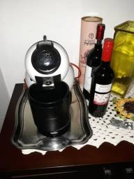 Cafeteira Italiana: Nescafé Dolce Gusto 220V