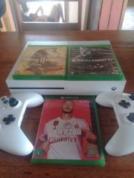 Vendo Xbox Box One S.Leia Anúncio!