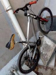 Bicicleta boa toda