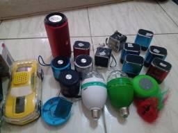 Lote de caixinha de som e lâmpadas com defeito