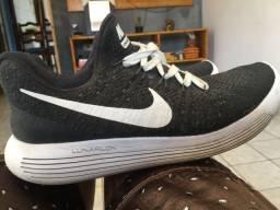 Tênis Nike flyknit lunarloon
