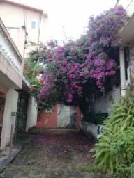 Vende-se casa de 05 dormitórios na Vila São Paulo