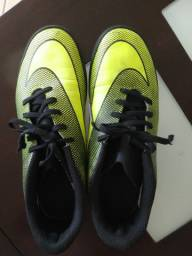 Chuteira Nike número 40