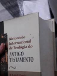 Dicionários teologicos e livros