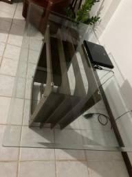 Mesa com tampo de vidro temperado 1,60x80.