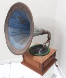 Gramofone marca Regal original antigo anos 20 funcionando