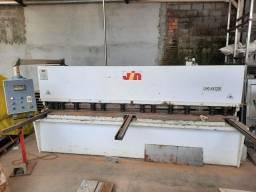 Maquina de corte e dobradeira