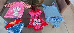 Título do anúncio: Vendo biquínis, maiô e blusa de piscina com protetor UV50