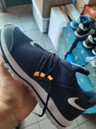 Nike 41 e 42 disponível