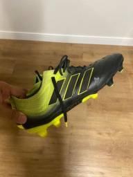 Chuteira Adidas Copa 19.1 Profissional - 39