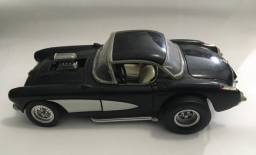 Miniatura Chevrolet Corvette Gasser 1957 Road Legends 1/18
