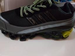 Tênis bounce adidas