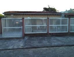 Linda casa semi-mobiliada medindo 280m² localizada no Balneário Praia de Leste, REF.:2844R