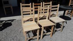 """""""Cadeiras tradicionais de madeira maciça, eucalipto, novas."""""""