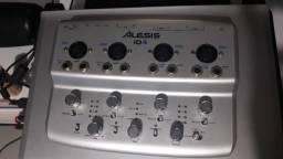 Interface Alesis io4