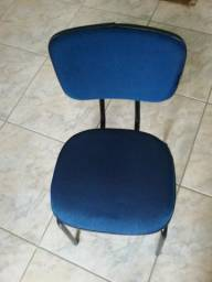 Cadeira fixa acolchoada
