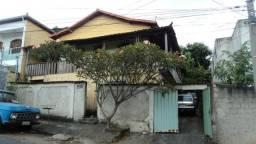 Título do anúncio: Casa em lote 300 m², ampla e 3 vagas. R$ 400 Mil