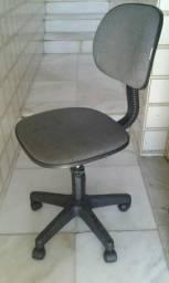 Cadeira giratória secretaria entrego no centro ,75- *