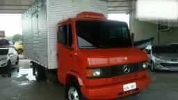 Mercedes 710 Baú - 2003
