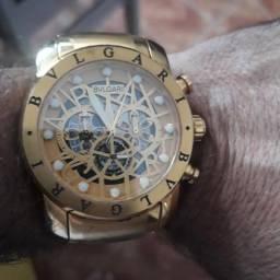 Vendo este lindo relógio bulgari