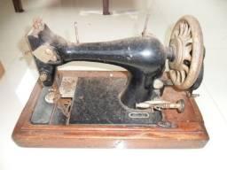 Maquina de costura antiga para restauro