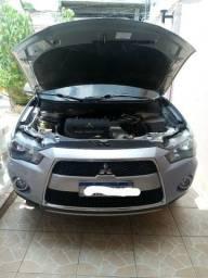 Carro Outlander 4x4
