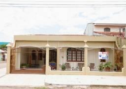 Linda Casa de Esquina com Piscina e área Gourmet zona sul Próximo a Jatuarana