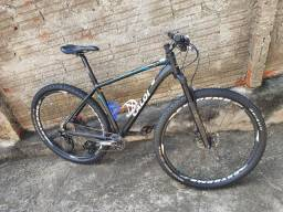 Bike de competição, excelente para todo tipo de pedal.  VALOR 3.500
